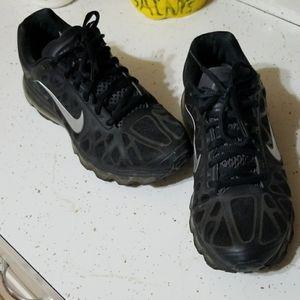 Nike Airmax Women's Tennis Shoes